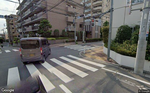 Streetview?size=640x396&location=35.7740180981196%2c139.694012920122&heading= 87.469106625943&pitch= 8