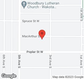 215 MacArthur Street W
