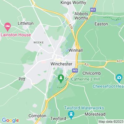 Abbey Gardens, Winchester Location