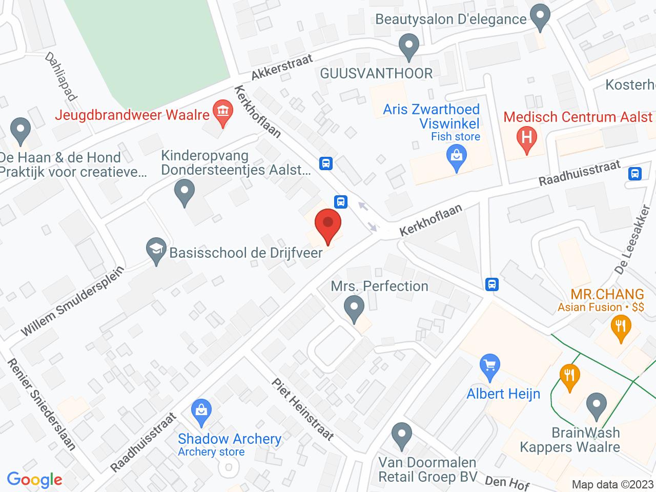 Raadhuisstraat op een kaart getoond.