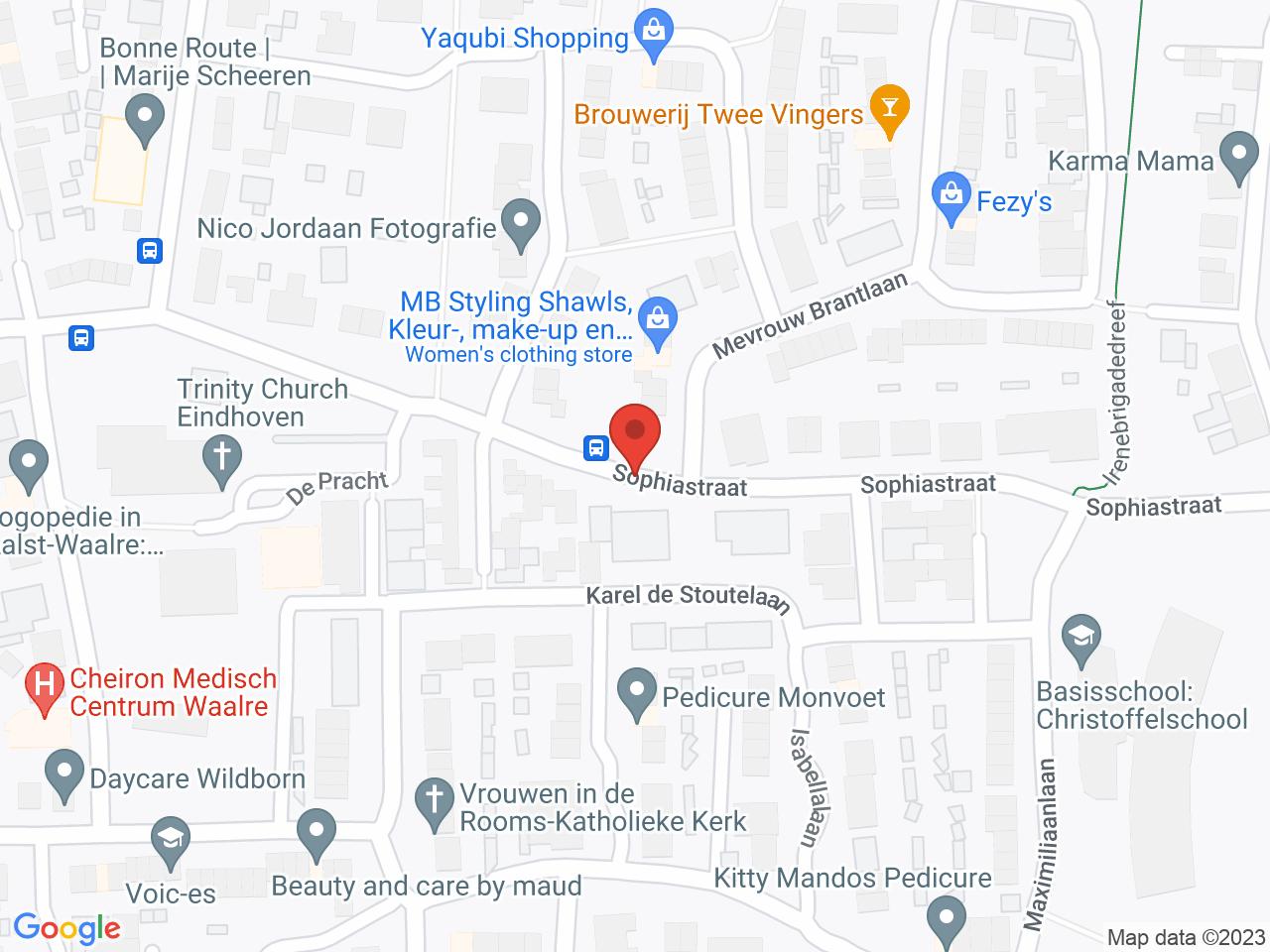Basisschool Ekenrooi op een kaart getoond.