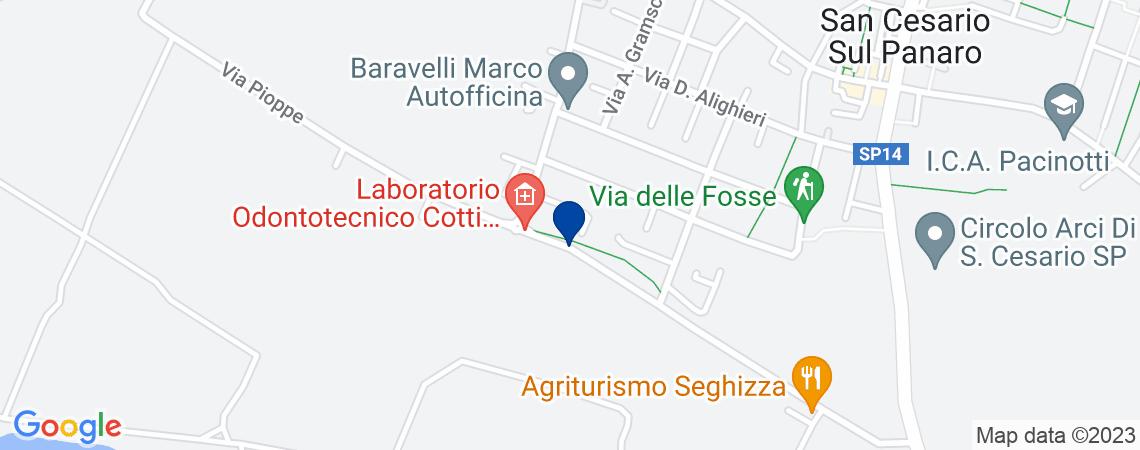 Abitazione con due posti auto e garage a S...