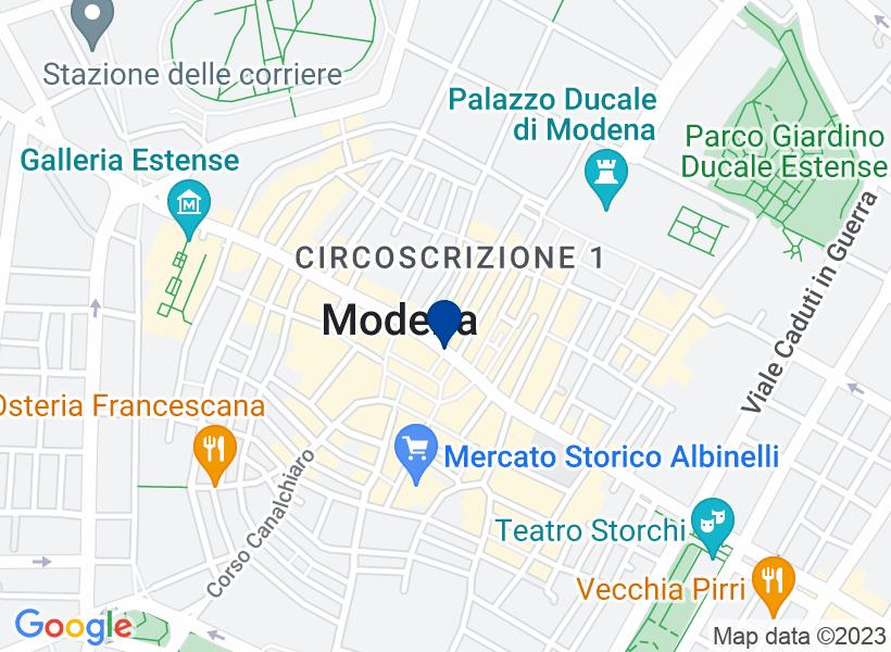 Sala per spettacoli a Modena, via Emilia C...