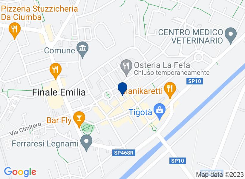Negozio al p.T. in vicolo Palazzo Civico n...