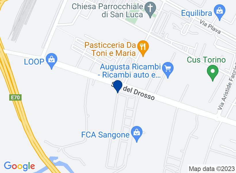 Laboratorio con posti auto a Torino (TO), ...