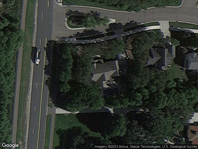 8755 Springwood Drive Woodbury, MN 55125 Satellite View