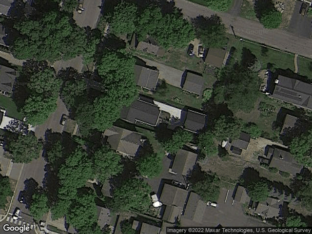 128 Broadway Avenue N Wayzata, MN 55391 Satellite View