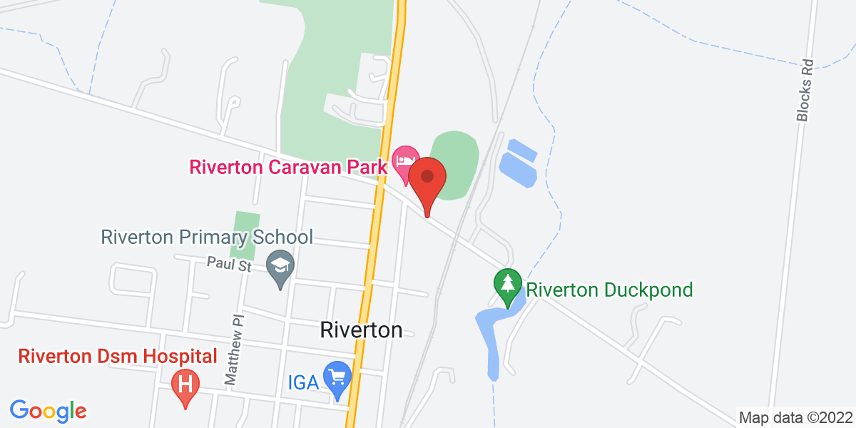<div class='vcard'><div class='fn'>Riverton Caravan Park</div>                         <div class='adr' >                             <div class='street-address'>Oxford Terrace</div>                             <div class='extended-address'></div>                             <div>                                 <span class='locality'>Riverton</span>,                                 <span class='region'>South Australia</span>                                 <span class='postal-code'>5412</span>                             </div>                                                      </div></div>