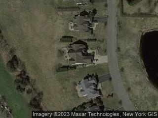 75 Windflower Ln, Riverhead, NY 11901