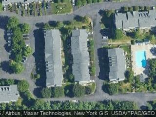 97 Meadow Ln, Nanuet, NY 10954