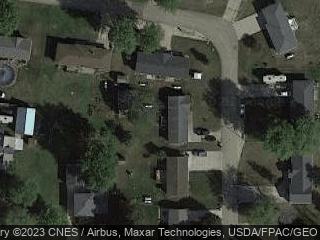 327 Emma Ct, Goose Lake, IA 52750
