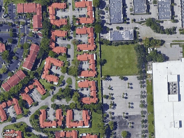 17255 NW 60th Ct, Hialeah, FL 33015