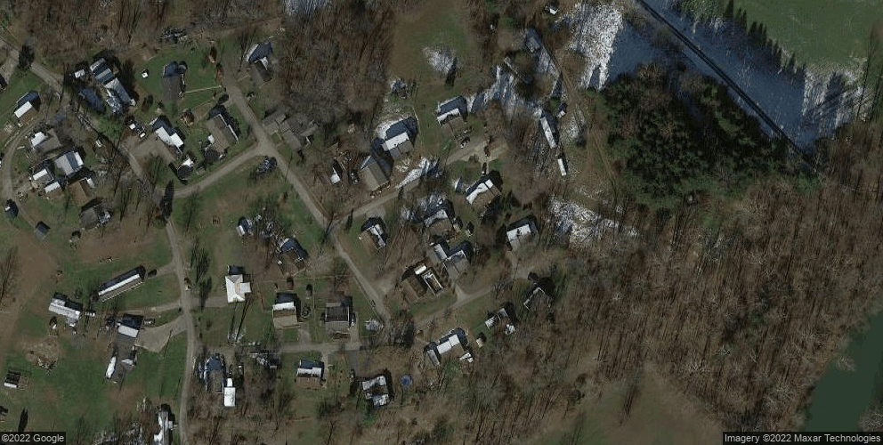 32 Pierce Dr, Lost Creek, WV 26385