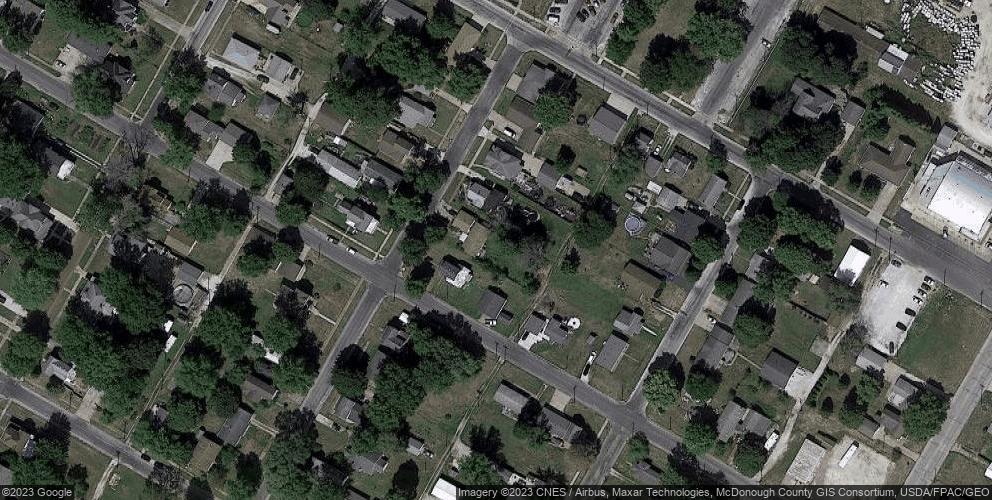924 N Rile St, Bushnell, IL 61422
