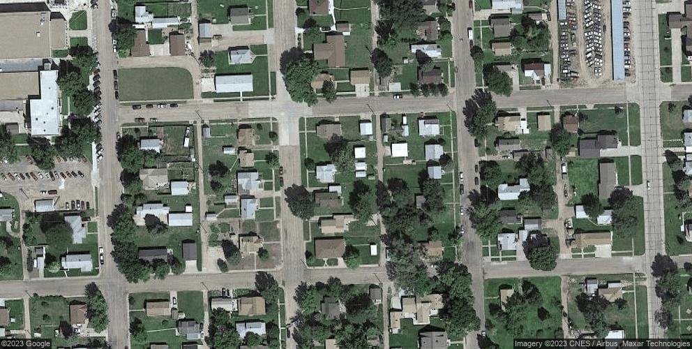 625 Garfield Ave, Grant, NE 69140