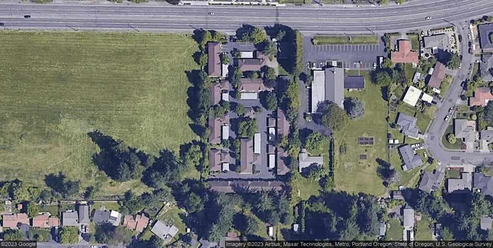 16548 NE Halsey St, Portland, OR 97230