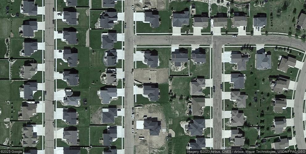 4621 Marsh Hawk Dr, Bismarck, ND 58503