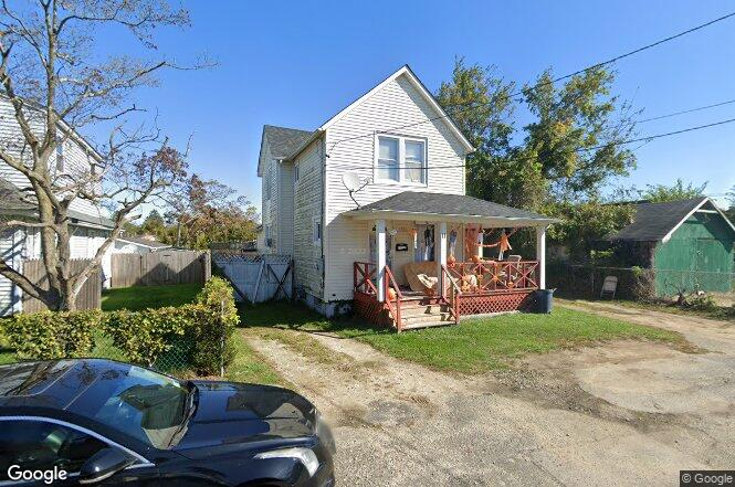 11 Westside Ave Bay Shore Ny 11706 Redfin
