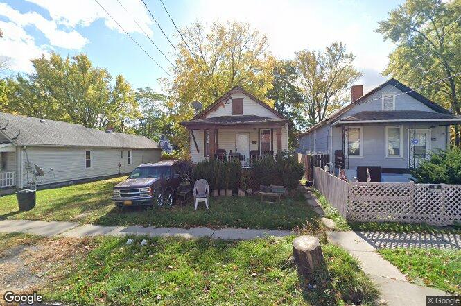 1367 north ave niagara falls ny 14305 redfin is this your home solutioingenieria Choice Image