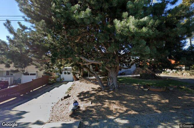 14225 12th Ave SW, Burien, WA 98166 | Redfin