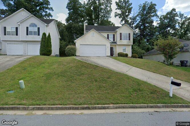 1579 Isleworth Cir Atlanta GA 30349