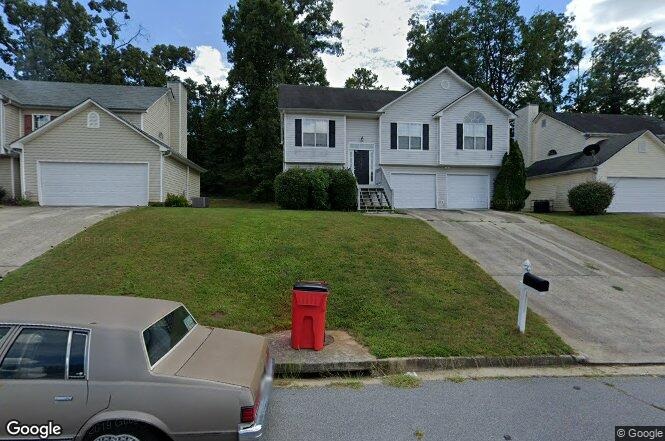 1585 Isleworth Cir Atlanta GA 30349