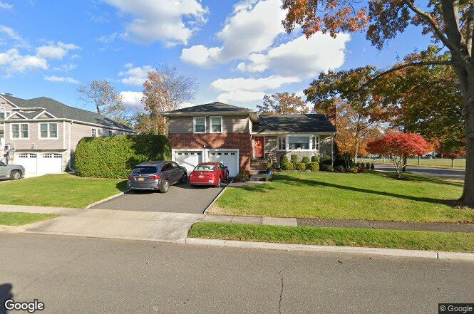161 kildare rd garden city ny 11530 redfin for Garden city pool 11530