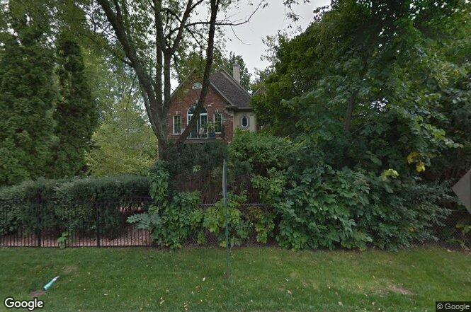 19191 Lakeview Ave, Mundelein, IL 60060 | Redfin