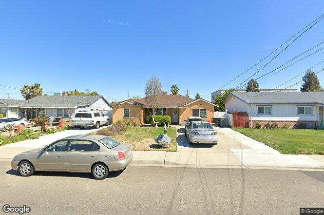 225 s lee ave oakdale ca 95361 redfin for Lee signature homes