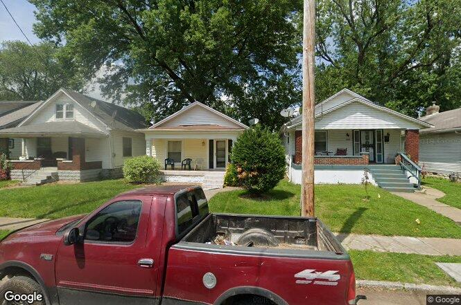 2333 w lee st louisville ky 40210 redfin for Lee signature homes