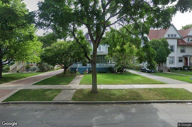248 Home Ave Oak Park IL 60302