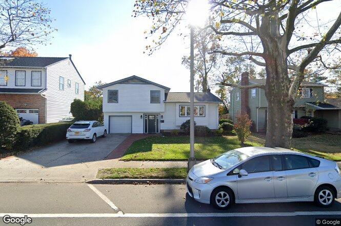 26 Old Country Rd Garden City Ny 11530 Redfin