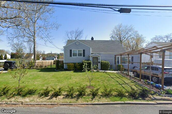69 Westwood Rd, Yonkers, NY 10710 | MLS# 2512080 | Redfin