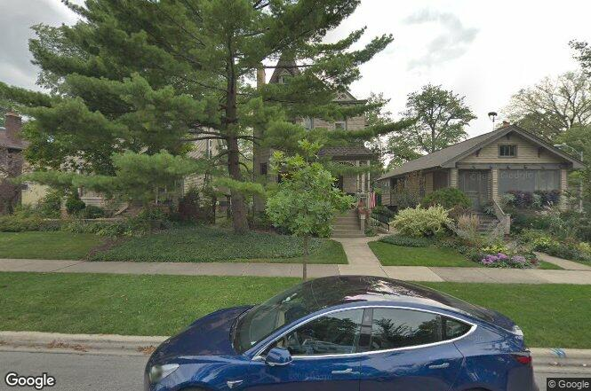 741 n grove ave oak park il 60302 redfin for Home 741 741