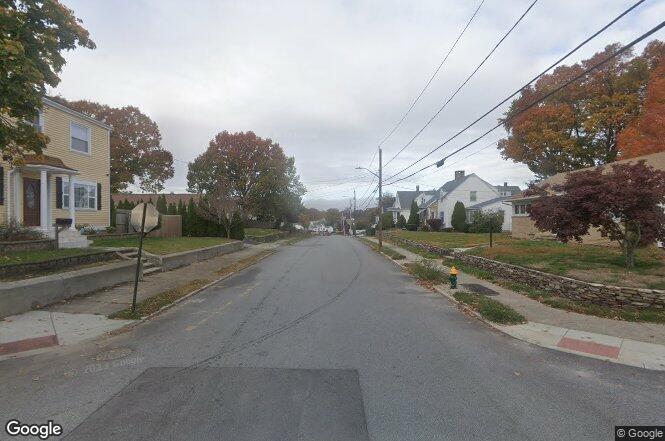 Waldron Ave Cranston Ri 02910 Redfin