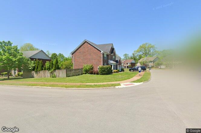 Wheaton hall ln franklin tn 37069 redfin for Signature homes franklin tn