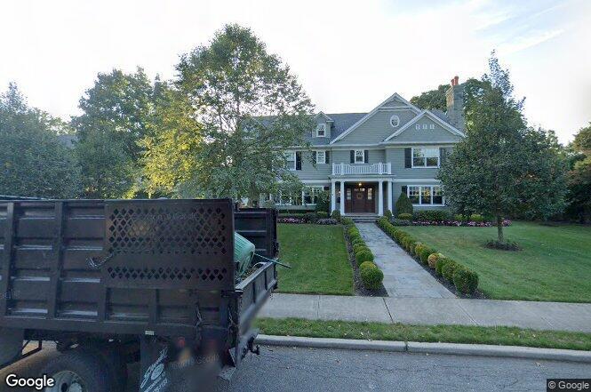 120 Oxford Blvd, Garden City, NY 11530 | Redfin