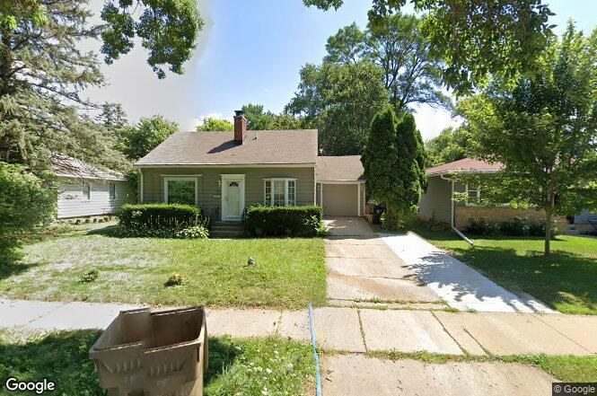 Wingra Park Madison If This Is What >> 1325 N Wingra Dr Madison Wi 53715 Redfin