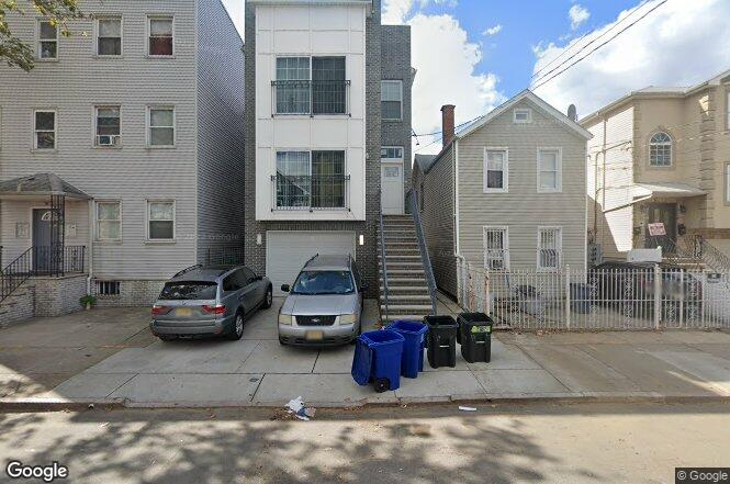 17 foundry st newark nj 07105 redfin is this your home malvernweather Gallery