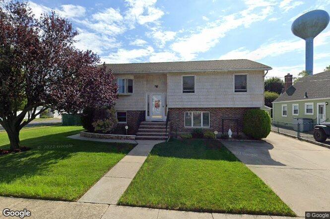 174 Caroline Ave, Garden City, NY 11530   Redfin