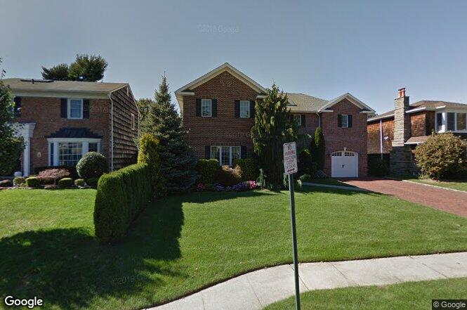 194 Meadbrook Rd, Garden City, NY 11530 | Redfin