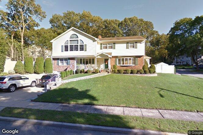 Not For 2 Willow Rd Old Bethpage