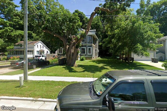 209 N Division St Stoughton Wi 53589 Redfin