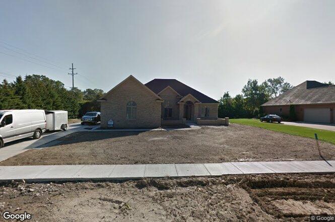 23201 Country Club Ln Grosse Ile Township Mi 48138 Redfin