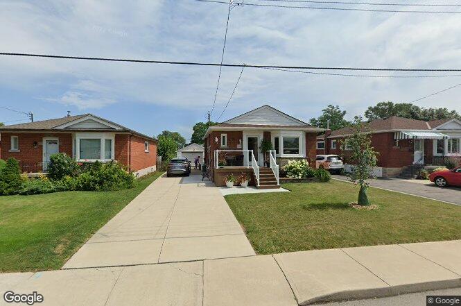 329 E 33rd St, Hamilton, ON L8V 3T9 | Redfin