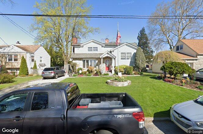 33 Allendale Rd, Yonkers, NY 10710 | Redfin