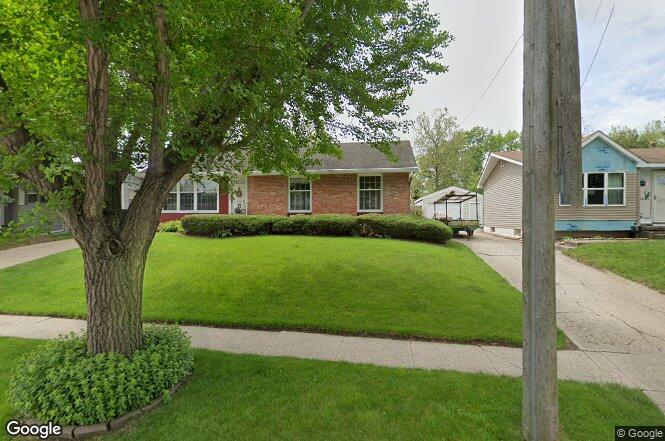 4019 E Garden Ave, Des Moines, IA 50317 | Redfin