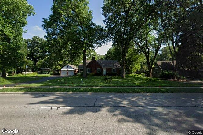 8214 W 75th St, Overland Park, KS 66204 | Redfin