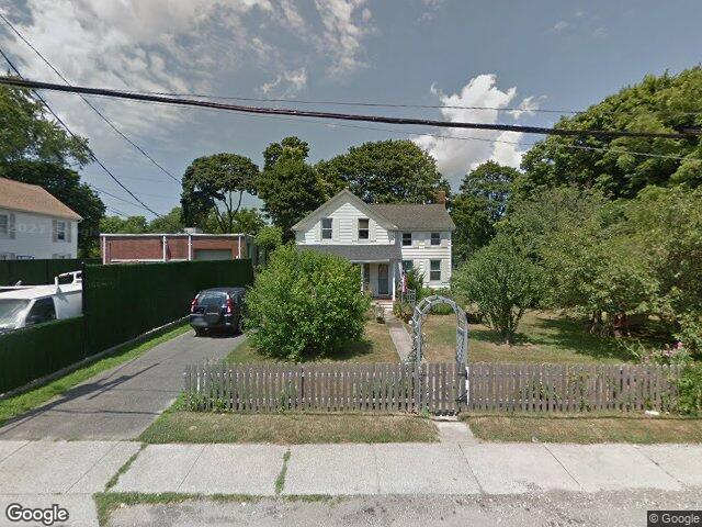 77 Hiddink St Sayville NY 11782