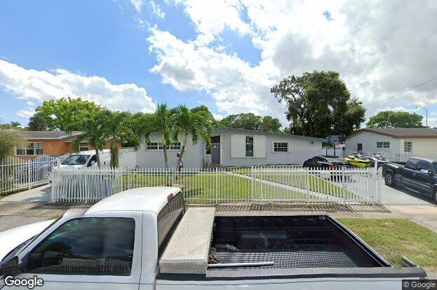2000 Nw 184th St Miami Gardens Fl 33056 Redfin
